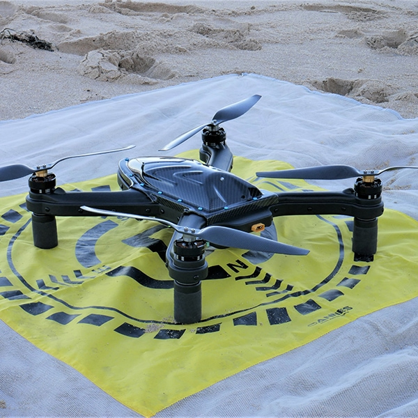 Cuta-Copter TRIDENT 5000 landed on an OANNES Landing Mate